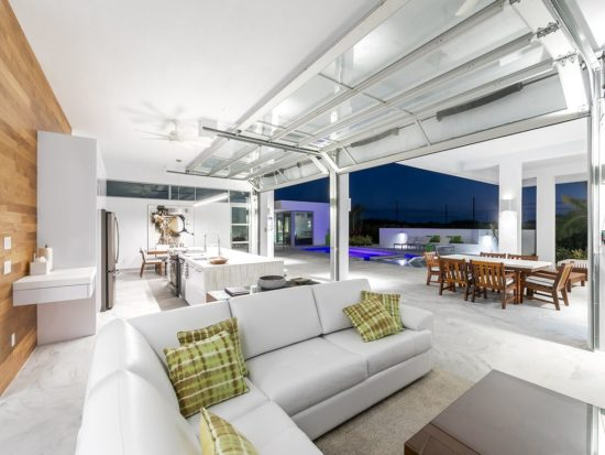 Không gian nội thất biệt thự hiện đại luôn thể hiện sự năng động và tươi mới