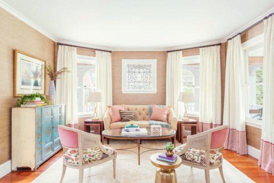 Màu sắc trang trí phòng khách nhẹ nhàng và ngọt ngào
