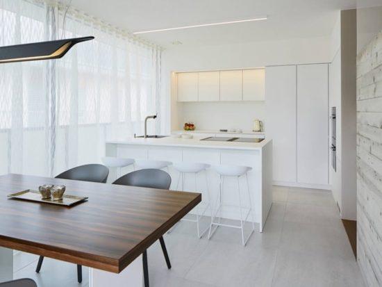 Nhà bếp đẹp tối giản vật dụng