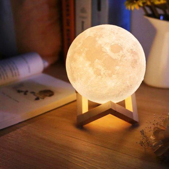 Sử dụng các mẫu đèn để bàn xinh xắn
