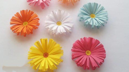 Tạo nên các bông hoa giấy đẹp đầy màu sắc lại vô cùng đơn giản