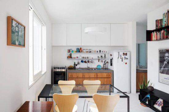 Thiết kế các kệ để đồ dùng trong bếp rất tinh tế và khéo léo