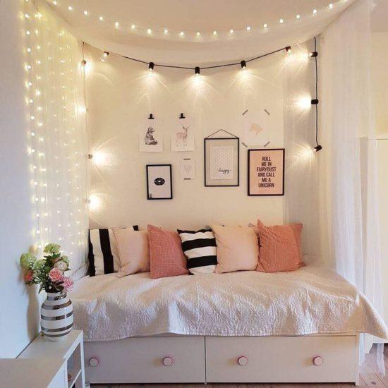 Trang trí phòng ngủ lung linh hơn với đèn led