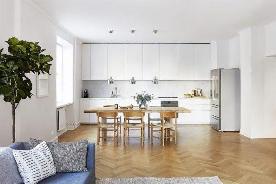 Không gian phòng bếp tối giản và chỉ để những nội thất cần thiết