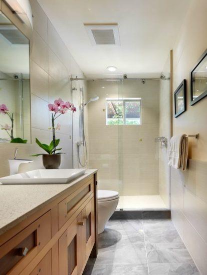 Nên bố trí cửa sổ trong phòng tắm để tạo sự thông thoáng