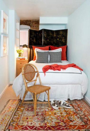 Sắp xếp giường ở vị trí phù hợp và gọn gàng trong nhà