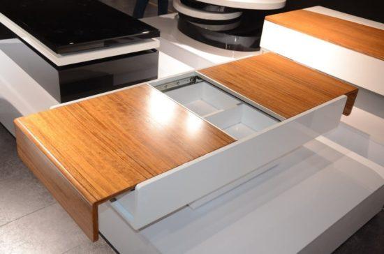 Sử dụng thiết kế này có thể giúp cho phòng khách gọn gàng, hiện đại hơn