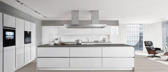 Thiết kế phòng bếp biệt thự theo phong cách Scandinavian sáng sủa, sạch sẽ