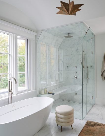 Thiết kế phòng tắm kính vô cùng tiện nghi và sáng sủa