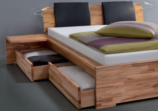 Giường có ngăn kéo để đồ phía dưới, tiết kiệm diện tích