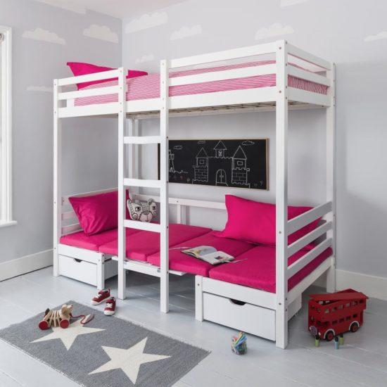 Giường tầng có thể tích hợp được nhiều chức năng cho bé sử dụng