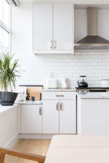 Không gian bếp cần phải sạch sẽ và đầy đủ tiện nghi