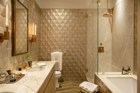 Màu sắc phòng tắm đóng vai trò quan trọng