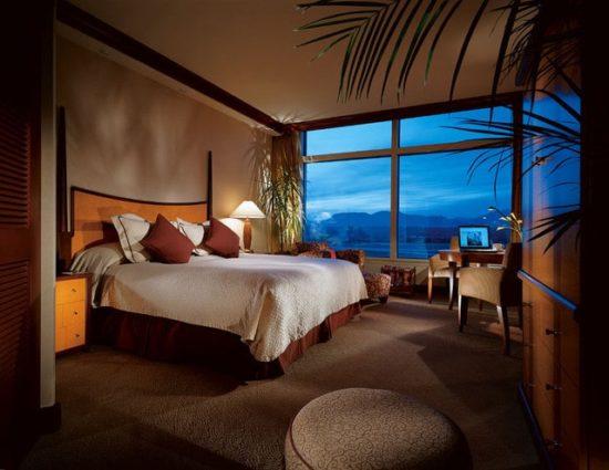 Phòng ngủ khách sạn theo phong cách gần gũi với thiên nhiên