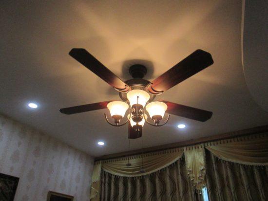 Quạt trần đèn tối ưu hóa diện tích trang trí
