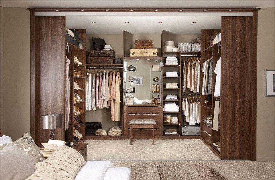 Thiết kế phòng thay đồ trong phòng ngủ sang trọng